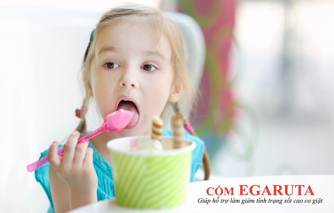 Không cho trẻ ăn đồ lạnh sau khi sốt cao co giật